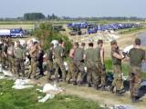 Bundeswehr und THW im Hochwassereinsatz